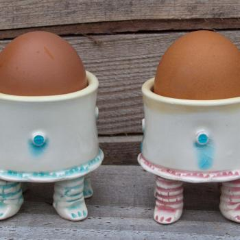 Walking egg cups